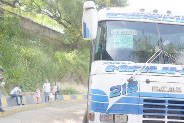 Choferes cobran Bs. 16 mil entre San Antonio y Los Teques
