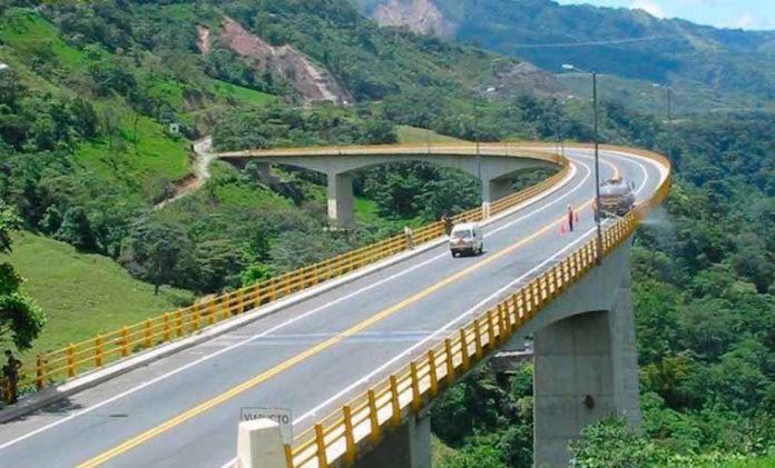 Cuatro personas murieron aplastadas dentro de su vehículo en Colombia producto de un derrumbe