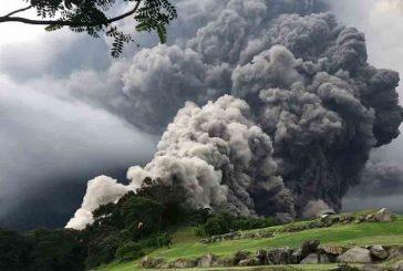 Alertan de descenso de materiales del volcán Santiaguito de Guatemala