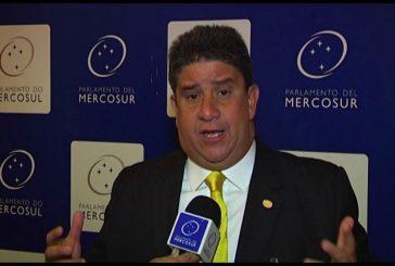 """Correa: Mercosur instó a Venezuela abrir canal humanitario ante """"crisis social y migratoria"""""""