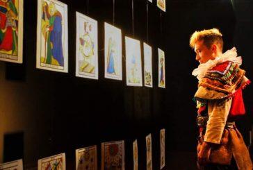 Hamlet Clown llena de arquetipos del Tarot el Centro Cultural Chacao
