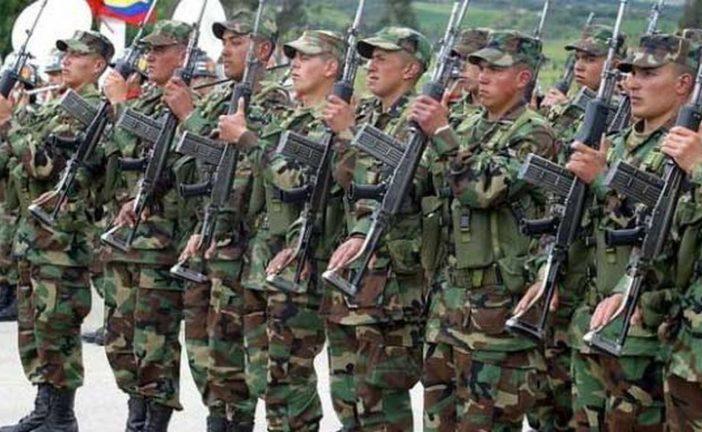 Cuatro menores de disidencias de las FARC se entregan a militares colombianos