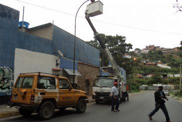 Corpoelec le devuelve la luz a la avenida Bolívar