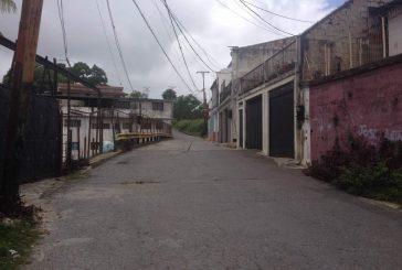 Calle Cecilio Acosta de Santa Eulalia está a oscuras
