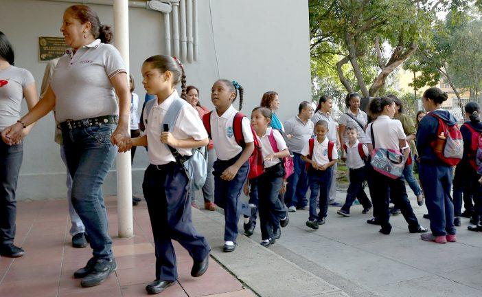 Piden a Ministro de Educación publicar cifras de deserción escolar