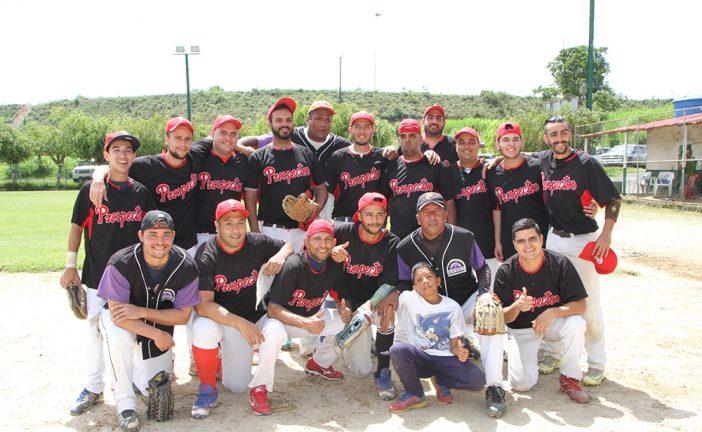 Prospectos ascendieron en la gran carpa del softbol B-5