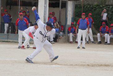 Raúl Hidalgo sentenció el juego lanzando y bateando