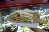 Un sándwich sencillo cuesta más de Bs. 3 millones