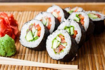 Coreano pierde el brazo tras infección por comer sushi