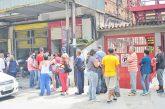 """Bachaqueros intentan """"colearse""""  en ventas controladas"""