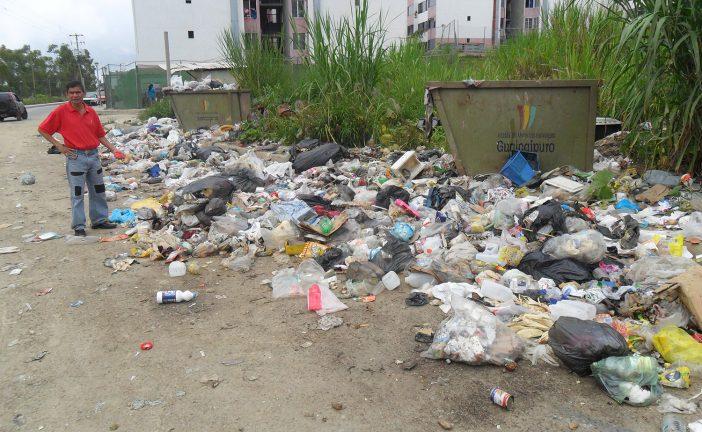Llaman a vecinos de El Chorrito a no regar la basura