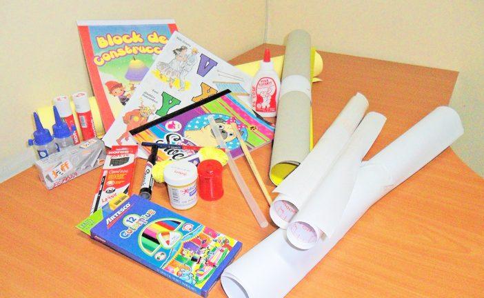 Preescolares se pasan de maraca con lista de útiles