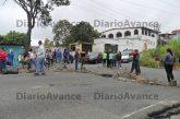 Mes y medio sin agua genera protesta en vía a Lagunetica