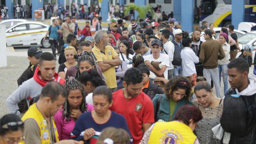 Jueza admitió demanda que permite a venezolanos ingresar a Perú sin pasaporte