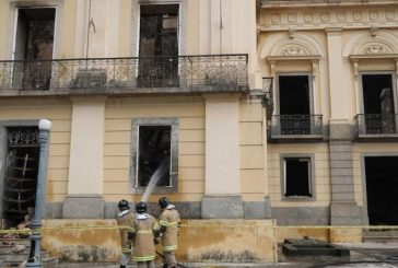"""Bomberos habrían recuperado cráneo de """"Luzia"""" entre restos calcinados de Museo Nacional de Brasil"""