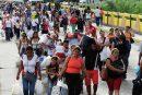 Autoridades de Colombia aceptarán pasaportes vencidos de migrantes venezolanos