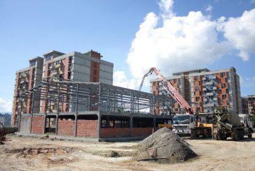 Construcción de escuela en Carrizal va por la mitad