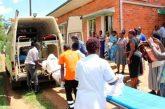 Mueren 11 alumnos tras incendiarse dormitorio de un internado en Uganda